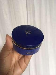 Inez loose powder natural