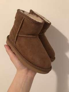 Classic UGG kids/toddlers boot