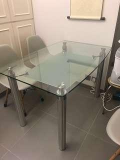 玻璃餐枱+4張座椅