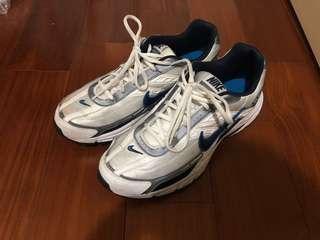 Nike initiator running 鞋
