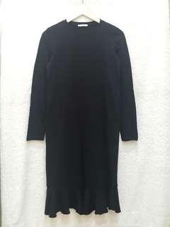 Zara Black Frilled Hem Midi Dress