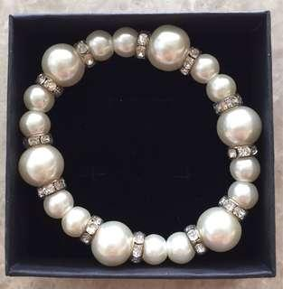 🚚 Pearl Bracelet