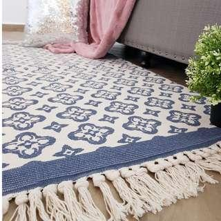 Moroccan Inspired Floral Tassel Rug (2 Sizes)