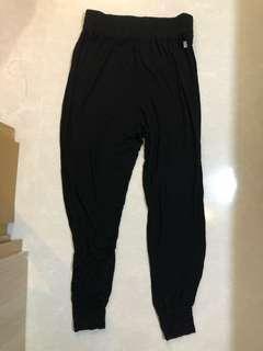 h&m body baggy pants