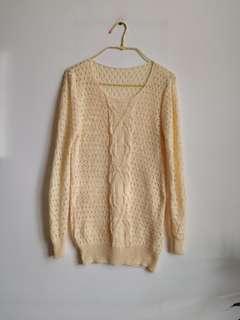 淡黃色通花冷衫 light yellow sweater