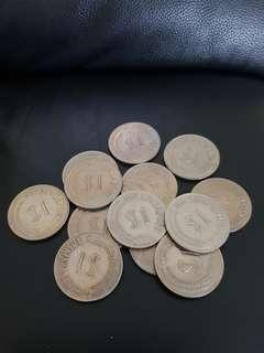 Circulated $1 coin 1972 stylised x13 pieces