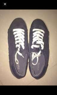 pull and bear shoes / sepatu