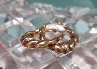 REDUCED- Ladies small gold hoop earrings