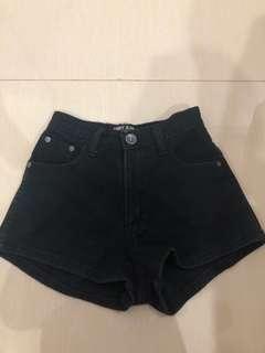 black short jeans