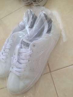 Jual sepatu baru
