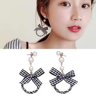 ╭✿蕾兒0509✿╮DB042-韓國耳飾甜甜蜜蜜緞帶黑白格子蝴蝶結佐珍珠耳環耳釘耳針流蘇耳環