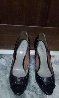 GUESS by MARCIANO Black Leather High Heels