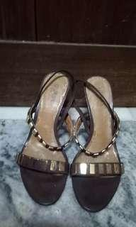 GUESS by MARCIANO High heels with Gold Embellishment Brown Leather
