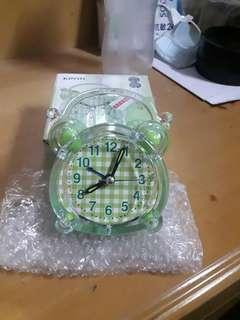 可愛造型鬧鐘