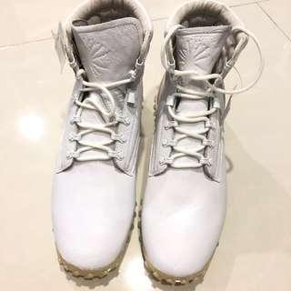 CNY PROMO!! Puma White Boots #SAMPLE#