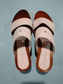 Wedge + Sandals (Bundle of 5) 🔥🔥🔥
