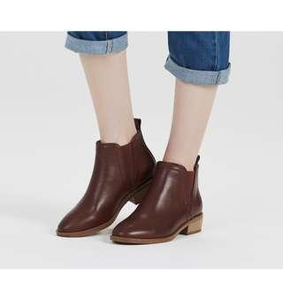 """售全新""""黑色"""" 小牛皮 真皮騎士短靴 豬皮柔軟內裡跟鞋墊"""