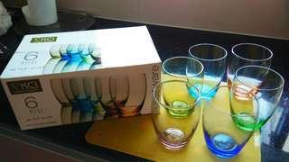 彩色玻璃杯一套 set of 6 glasses