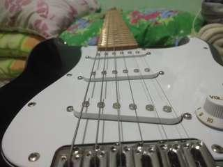 Electric guitar used only for a week