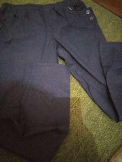 Pants hitam