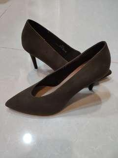 High hill shoes size 6   1/2