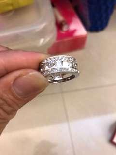🚚 碎鑽戒指
