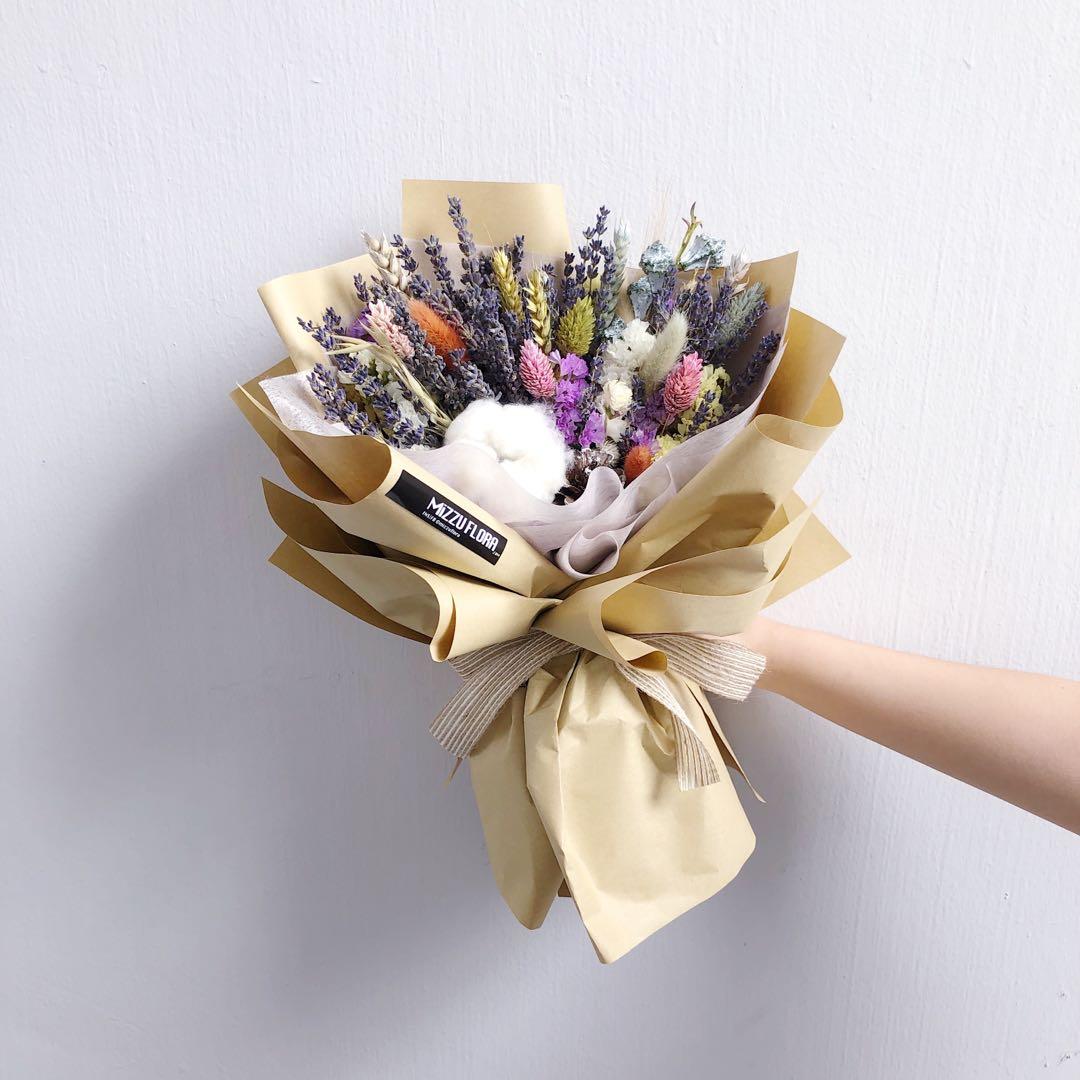 """Lavender Dried Flower Bouquet Anniversary Gift Birthday Flower Flower Delivery ƃ…人节花束 Ç""""Ÿæ—¥èŠ± ɲœèŠ±è¿é€ È–°è¡£è‰èŠ±æŸ Gardening Flowers Bouquets On Carousell"""