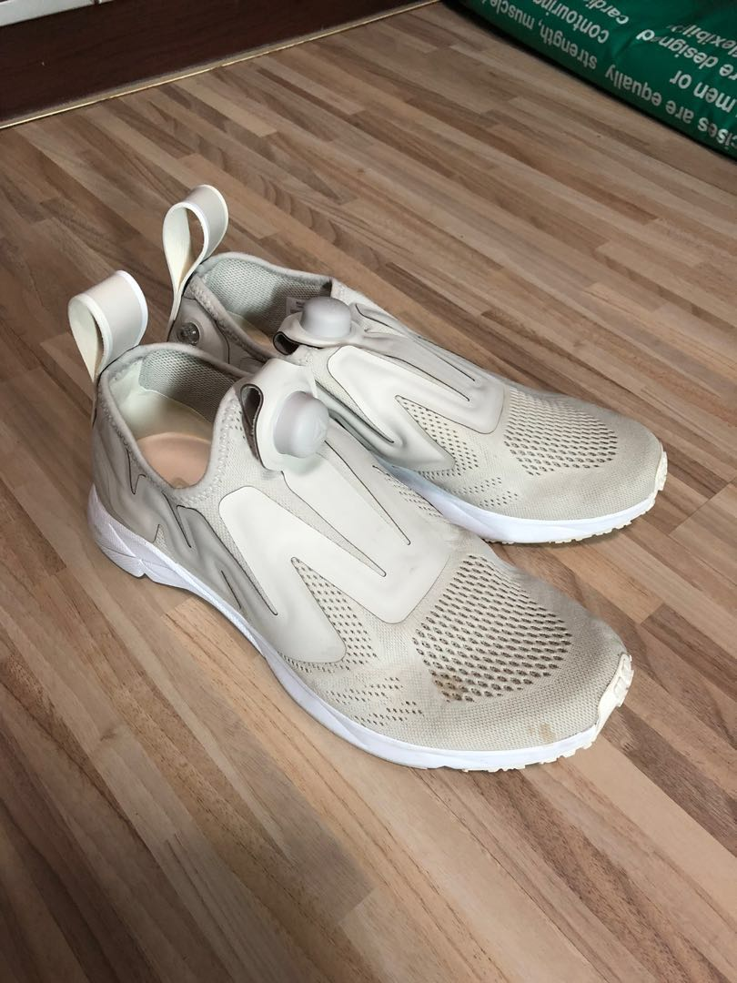 f9bf28f89a7d BEIGE REEBOK PUMP SUPREME LOW TOP MESH TRAINERS on Carousell
