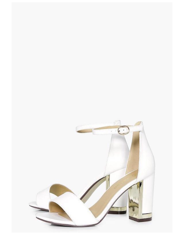 f5b917a8627 Boohoo white   gold plated block heels