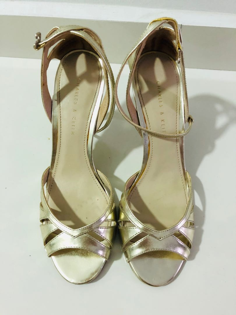 51bdd1727550 charles and keith 3.5inch gold heels, Women's Fashion, Shoes, Heels ...