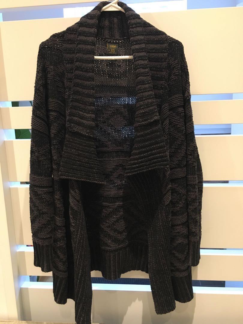 Cozy women's knit sweater