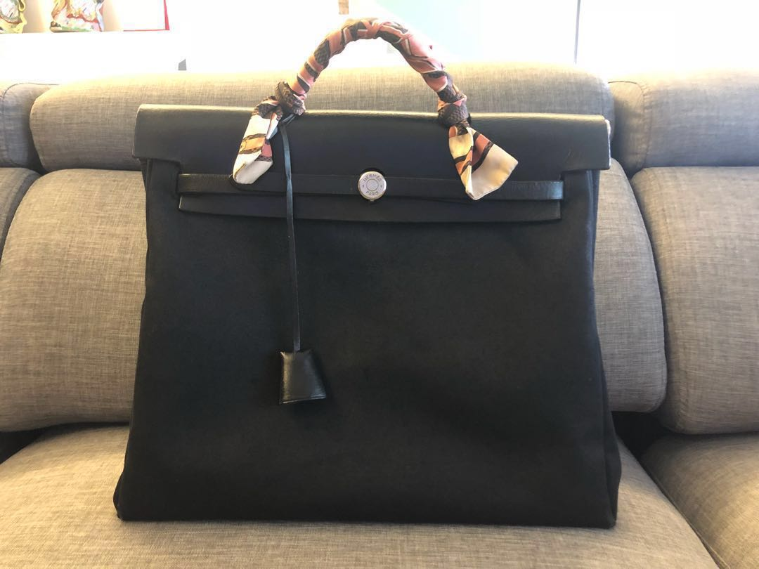 e39d682ce Hermes Herbag MM (CNY deal), Women's Fashion, Bags & Wallets ...