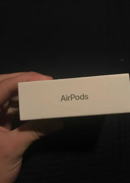 iPhone airpod