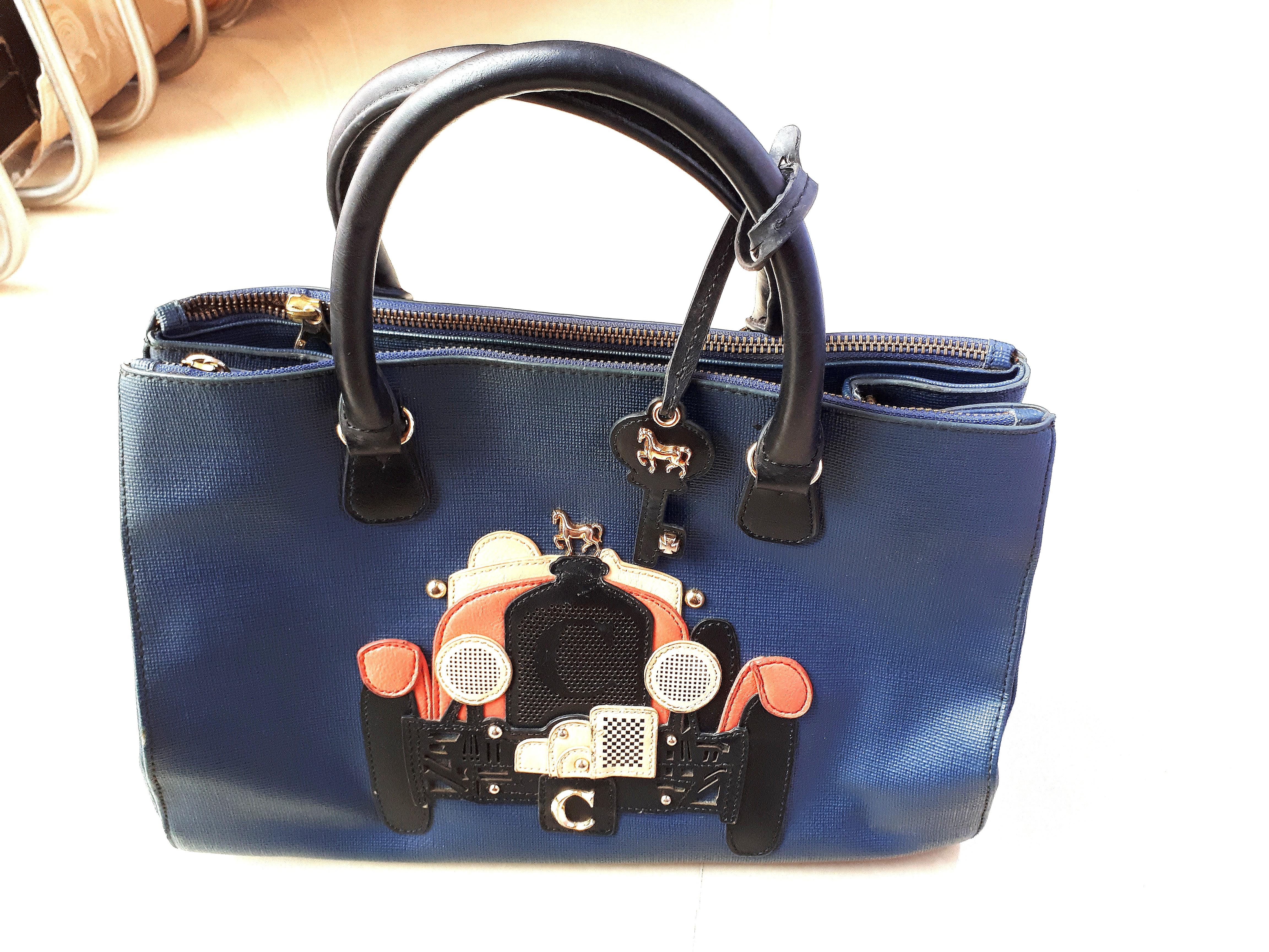 1981fbced9 Lapalette Cupcake Hand Bag