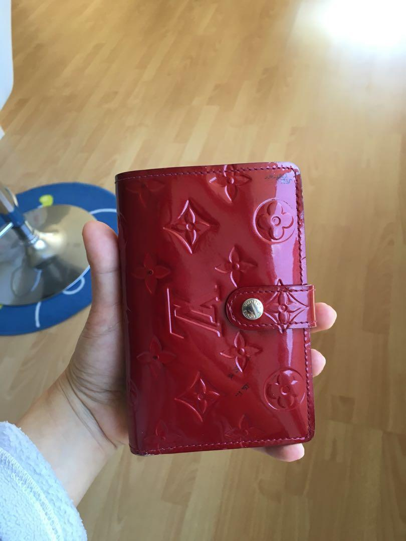 Louis Vuitton vernis French wallet