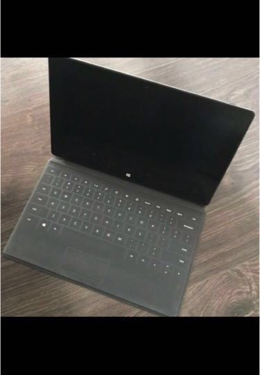 Microsoft Surface RT (tablet only)