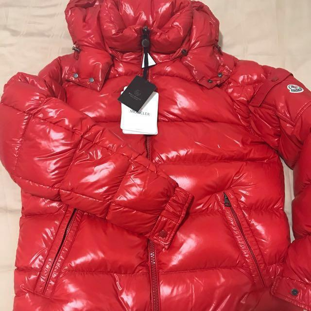 più recente 41961 3f126 Moncler Maya Giubbotto Red, Luxury, Apparel on Carousell