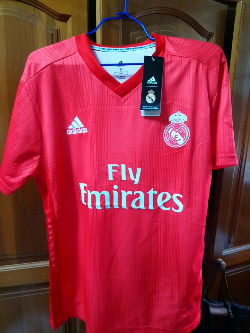 official photos 4ca67 f02b2 order real madrid kit