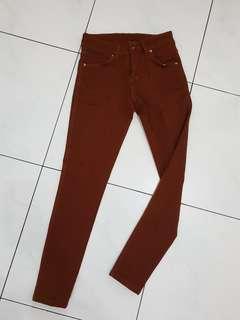 Celana panjang skinny coklat fit to 26-27 mid waist
