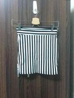 [降價便宜售出]黑白條紋棉質短裙#按❤️加面交再優惠20元