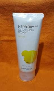 THEFACESHOP HERB DAY CLEANSING FOAM LEMON