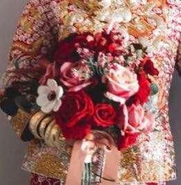 新娘絲花花球,襯褂紅花球