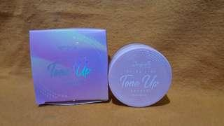 BEDAK TABUR JACQUELLE ULTRA FINE TONE UP POWDER UV PROTECTION SHADE BLOOM