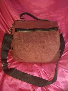 Preloved Authentic Standa 1978 Sling bag