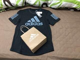 🚚 (可議)全新吊牌未拆、可附紙袋、愛迪達 adidas 質感上衣、T-Shirt、T恤、#衣櫃大掃除