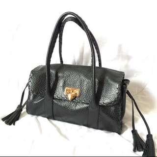 Authentic Samantha Thavasa handbag Shoulder / carry bag
