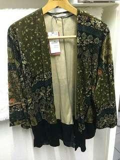 Pull and Bear Floral Velvet Kimono