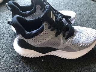 Adidas Alpha bounce 2018