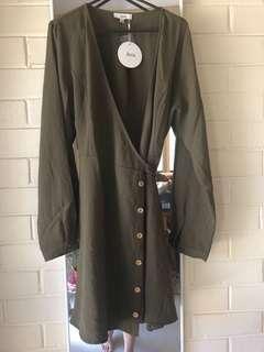 New wrap dress size 10