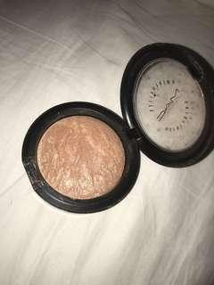 Mac Soft And Gentle Highlighter